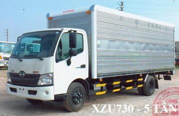 Giá xe tải hino 5 tấn XZU730 Thùng Kín