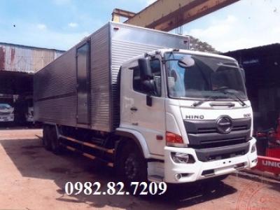 Giá xe tải hino 15 tấn thùng kín FM8JW7A 2 cầu thật
