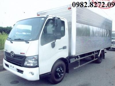 Giá xe tải hino 3,5 tấn thùng kín xzu720
