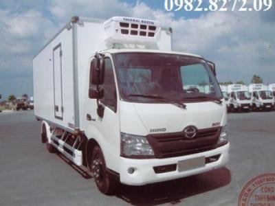 Giá xe tải hino 3,5 tấn đông lạnh XZU720