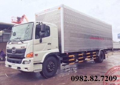 Giá xe tải Hino 8 tấn thùng kín chở pallet cao 4m